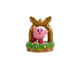 Kirby Estatua PVC Kirby and the Goal Door 24 cm - Imagen 1